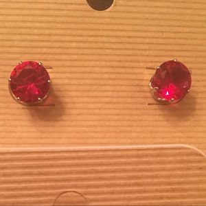 Jewelry - 🌿🌹Ruby Red Solitaires 8mm in Gold Plated
